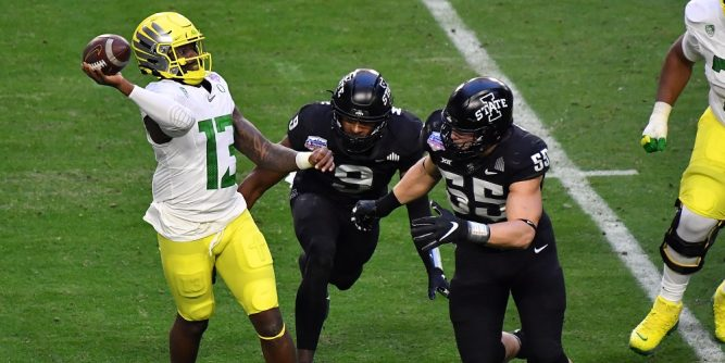 Caesars has teamed with the Fiesta Bowl to create a first-of-its-kind sports betting and fantasy gaming partnership for a college football Bowl game.